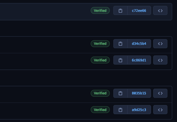 """Imagem com uma lista de commits contendo o selo """"verified"""" do Github"""