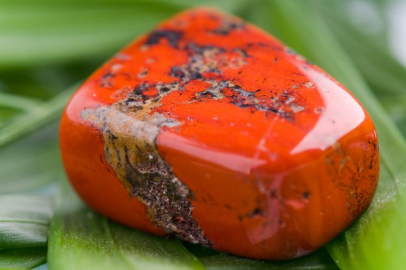 Red Jasper - image from www.gemstonebuzz.ocm