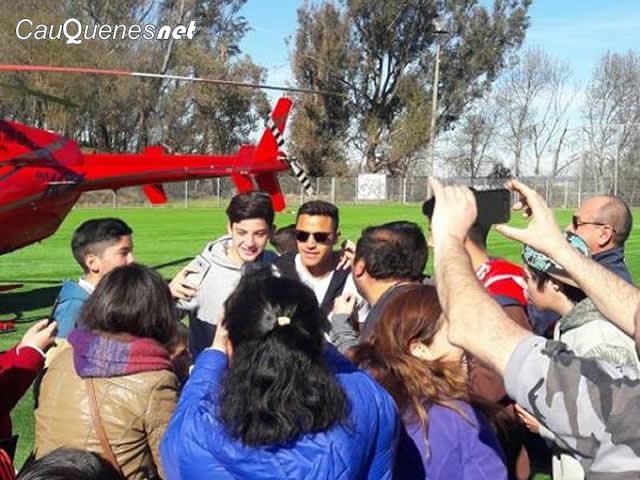 Alexis Sánchez llegó a Cauquenes en visita solidaria