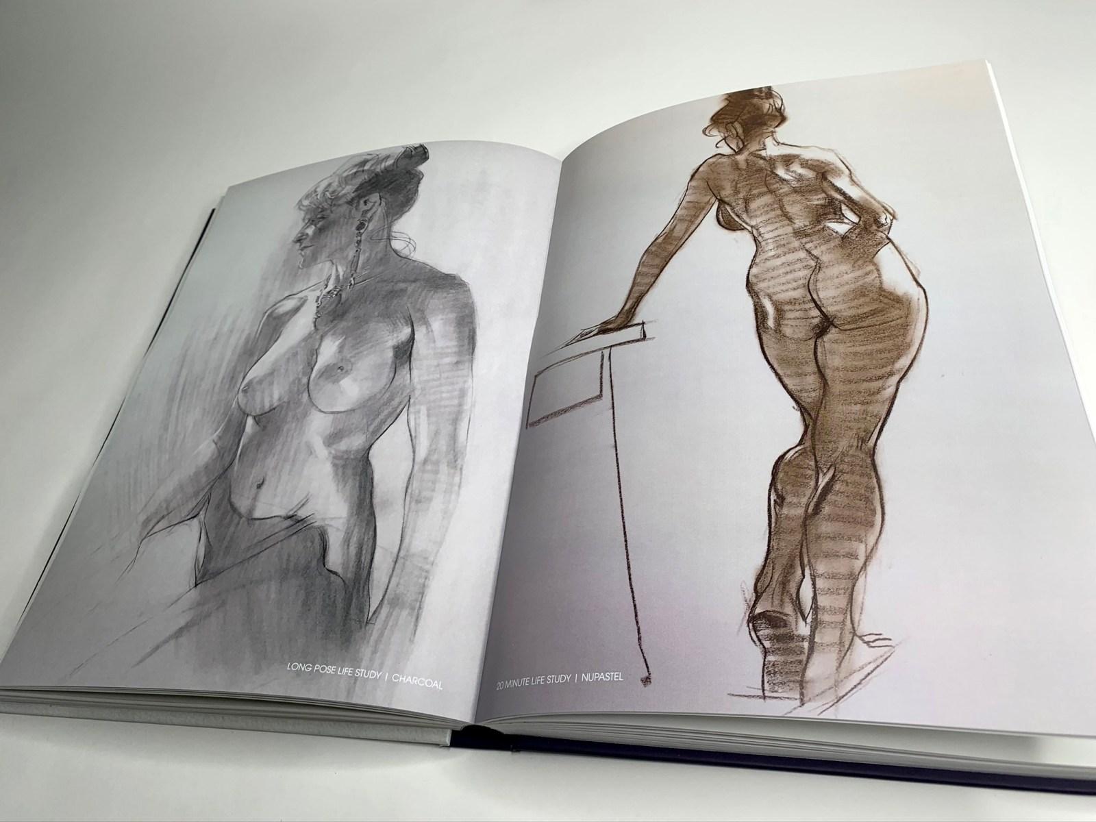 Extrait de l'artbook Muse, dessin d'une femme nue et debout.