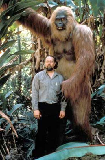 Bill Munn & his Gigantopithecus model