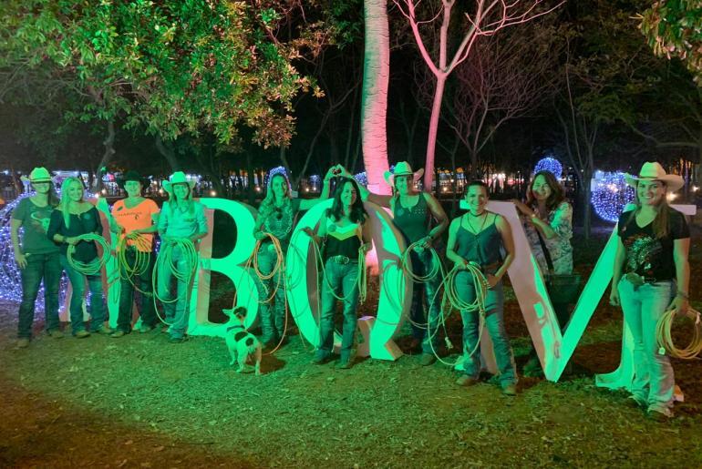 Estande do Cavalus na ABQM recebe reunião e revelação