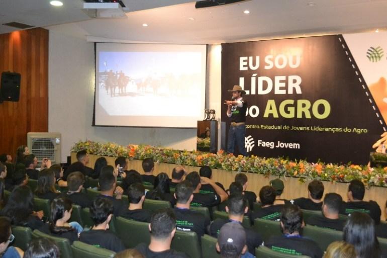 Filipe Masetti está no Brasil ministrando palestras; a primeira foi em Goiás
