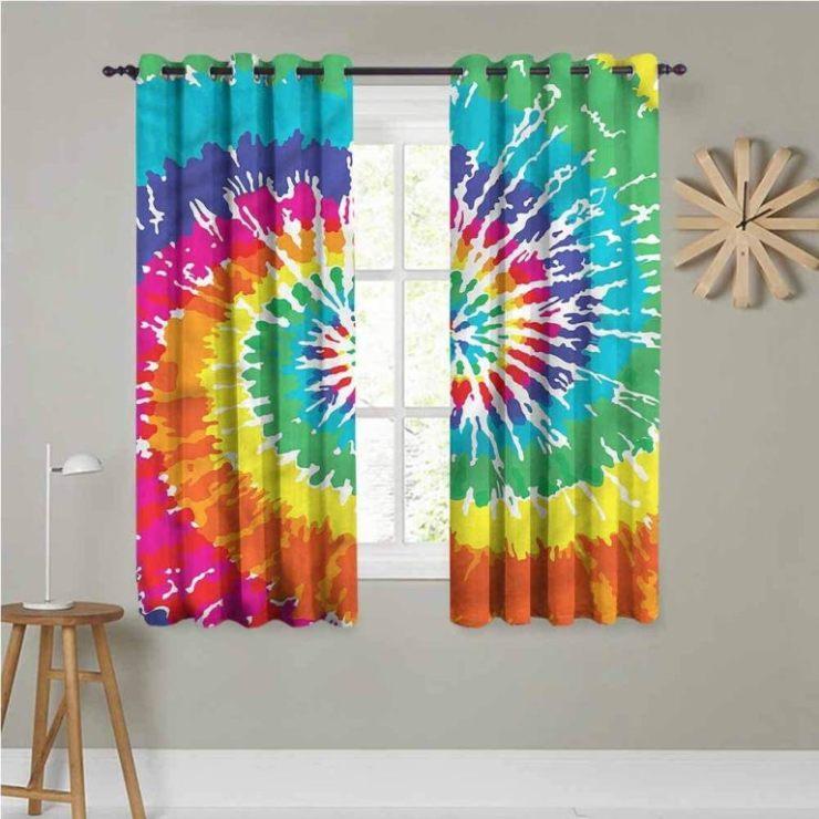 A casa fica mais colorida, sem dúvida. A técnica Tie Dye está em alta, não apenas na moda, como também na decoração. Tendencia que amamamos