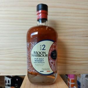 DOCK2 CB SI rotated - Moon Harbour - Dock 2 finition Cantenac Brown - Pure Malt Whisky de maïs 70cl