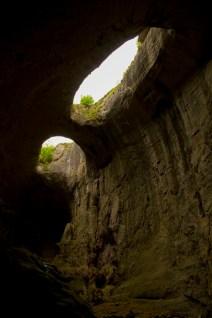 Prohodna-cave