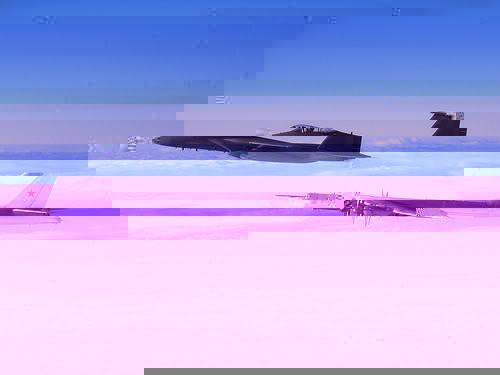 F-15 interceptando um Tu-95 sobre o Alasca.