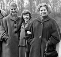 Gundi, Ina Bauer, Mutter Busch