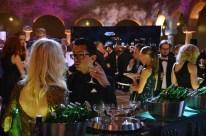 James Bond mingel