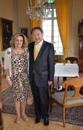 Professorn vid KTH Richard Hsieh med fru Eva.