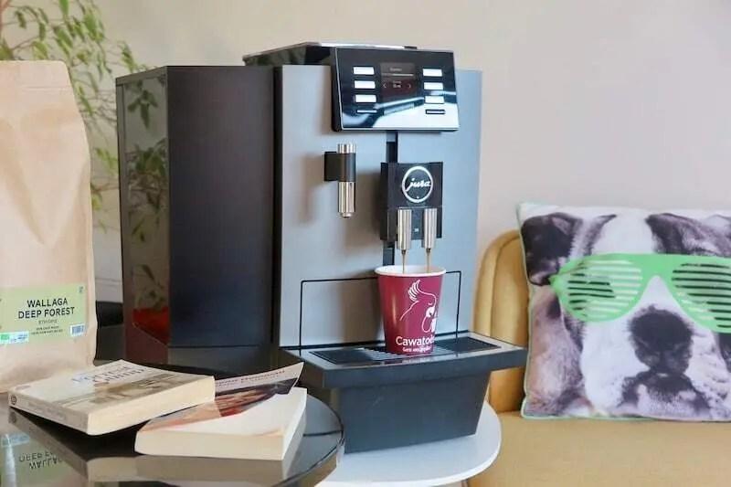 Le café en grains : La meilleure alternative aux capsules de café en entreprise