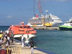 Cayman cruise, Cayman News Service