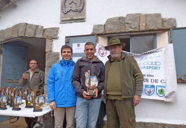 Raúl Marcos, Campeón CyL Caza Menor Perro-Santiago Iturmendi, Pte Federación Caza CyL-Alfonso Lahuerta, Dir. Gral Deportes