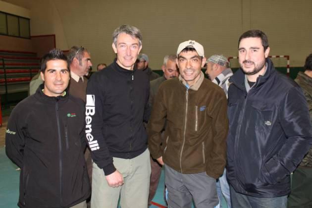 Nuestro colaborador Mikel Torné, que actuó de juez en el campeonato, con el actual campeón, Fernando del Campo, y el concejal de Medio Ambiente