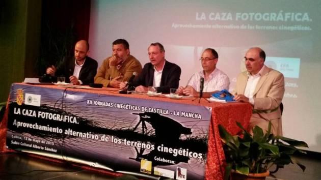 Mesa inaugural con Iván Poblador, Pedro Acevedo, Emilio Muñoz, Javier Paz y Julián Carrascosa.