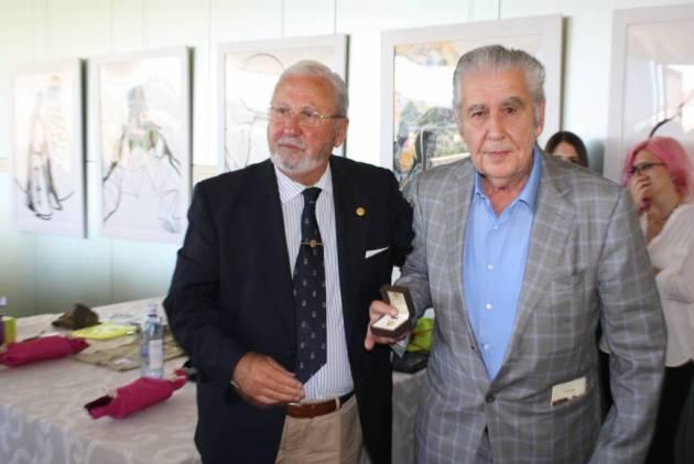 Juan A. Sarasketa y el Presidente de la FCCyL, Santiago Iturmendi