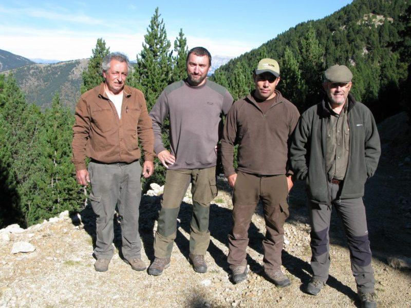 Junto a mis amigos David Casillas Sunyer, Josep Codina y Josep Maria Caelles. Gracias. Imagen del fondo, la bella Cataluña. Desde Pirineos, Montserrat.