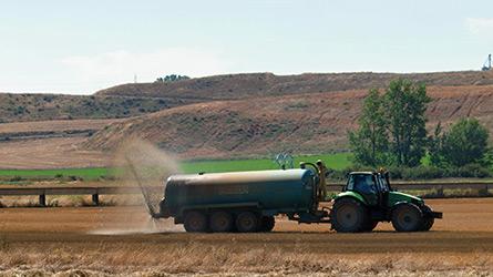 tratamientos fitosanitarios tractor ADECANA