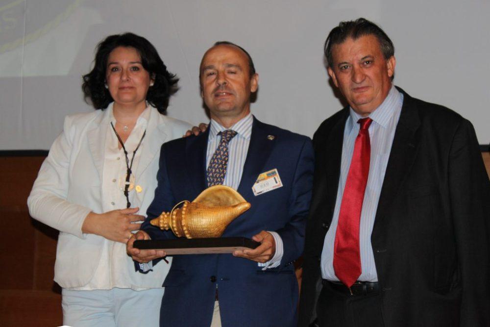 Caracola de oro honorífica a la Asociación Española de Rehalas.