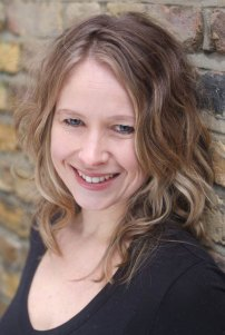 cazperry-presenter-actress-voiceover-london-hampshire-website-by-standardcutmedia012