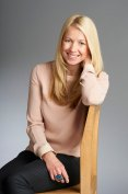 cazperry-presenter-actress-voiceover-london-hampshire-website-by-standardcutmedia013