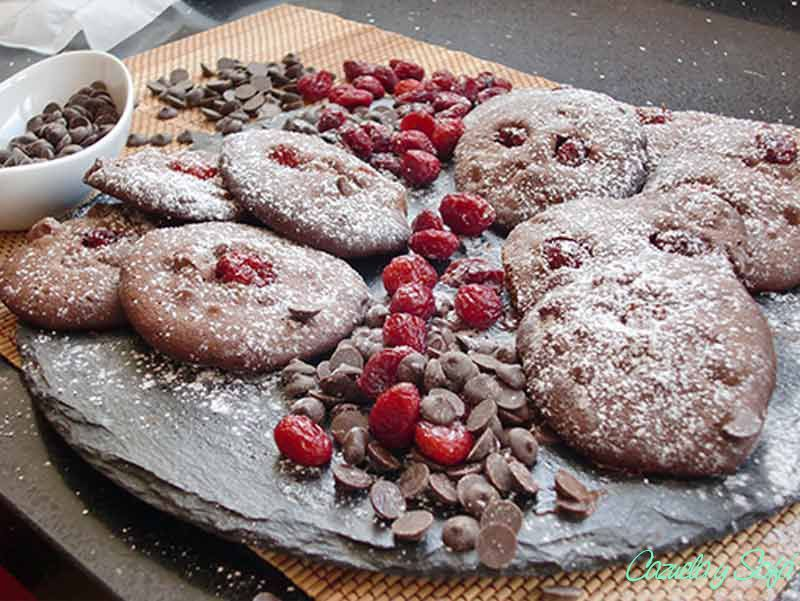 Galletas-de-chocolate-y-arándanos