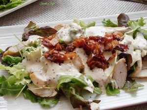 Ensalada-templada-de-pollo-con-bacon-crujiente