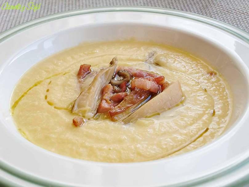 crema-de-puerro-con setas-y-bacon