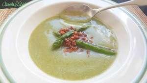 Crema-de-calabacín-y-espárragos-verdes