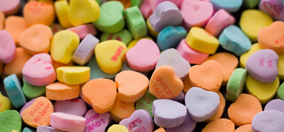 Many different coloured love hearts