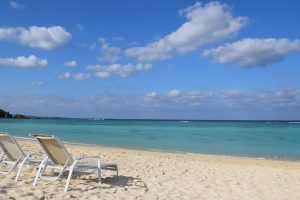 沖縄旅行の持ち物はこれ!便利グッズと必需品の準備リストまとめ