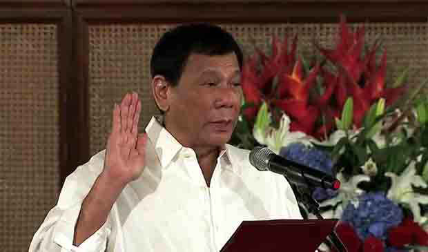 2016_0815_duterte-oath-taking