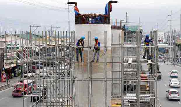Last pillar for LRT line 2 extension to Antipolo nears completion
