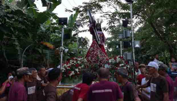 2016_0829_black-nazarne-procession