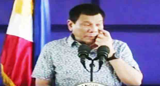 President Duterte visits Bicol military camp in a breeze
