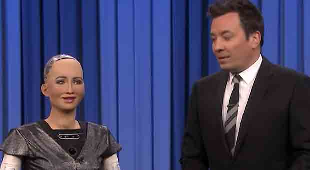 That moment TV host Jimmy Fallon and Sophia the Robot sing duet