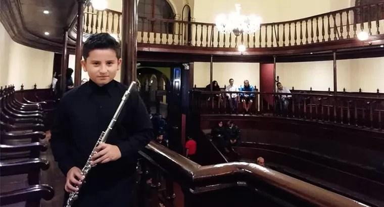 Brechtiano en concierto de la Universidad Nacional de Música