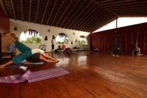 lodge 3 : 4 stars yogajpg
