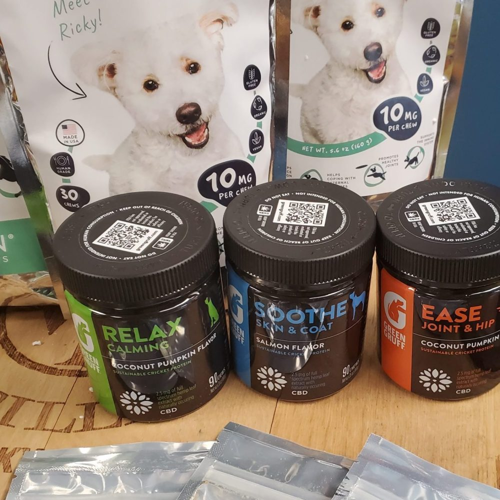TRYING SOME NEW DOG TREATS! 30% OFF GREEN GRUFF DOG TREATS