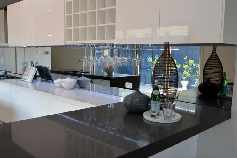 splashback ideas for white kitchen