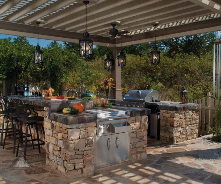 25+ Brilliant Ideas For Outdoor Kitchen Designs, Build & Remodel