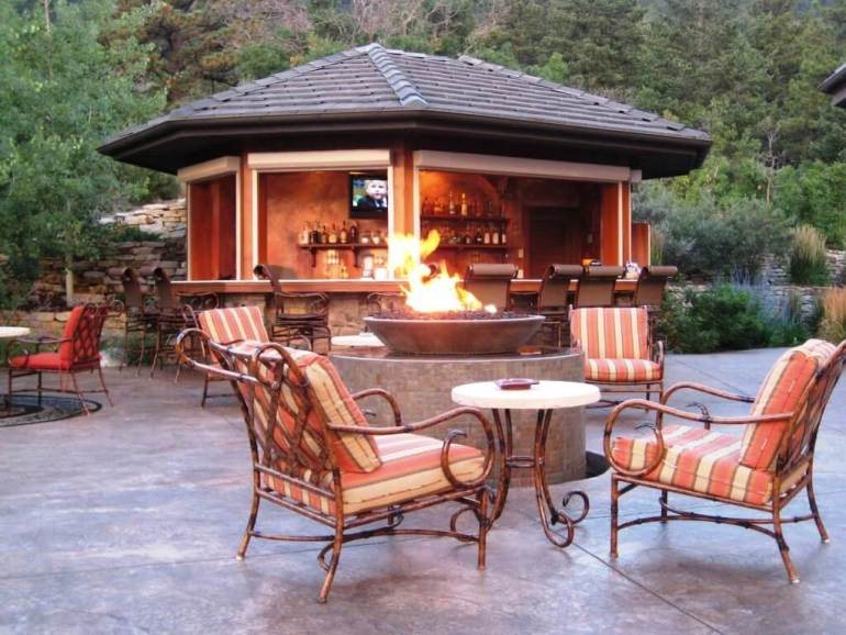 high end outdoor kitchen designs
