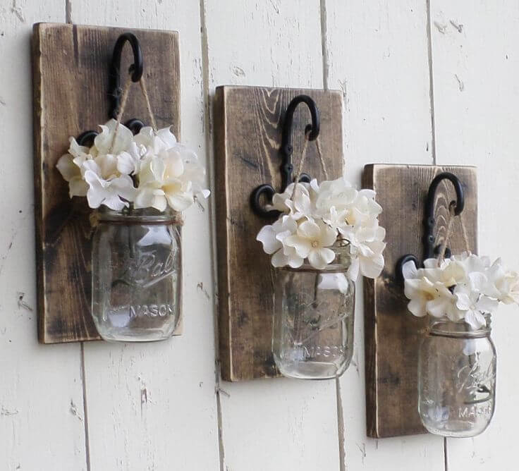 Rustic Wall Decor With Mason Jar Vase