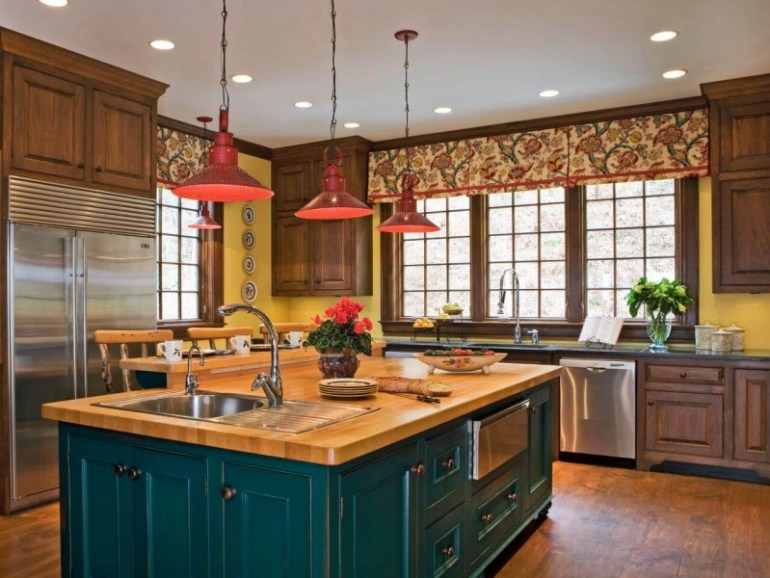 Kitchen Pendant Contrasting Color