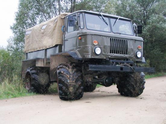 21---GAZ-66-avec-pneus-larges