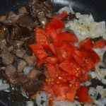 mushrooms-with-tomatoes