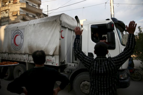 Syria cease-fire holds 5th day but UN still can't get aid ...