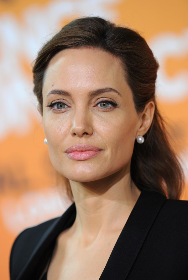 Angelina Jolie might have some custody issues, experts ...
