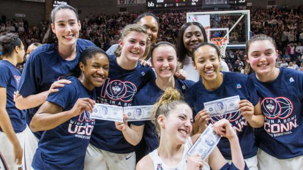 UConn women's basketball team records 100th consecutive ...