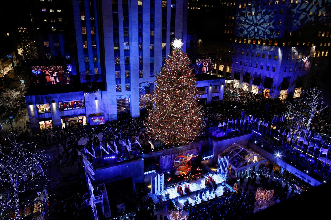 2018 Rockefeller Center Christmas Tree Lighting - Watch live ...